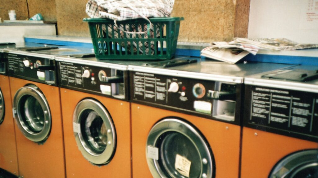 conquering-laundry-~-how-one-busy-mom-gets-the-job-done